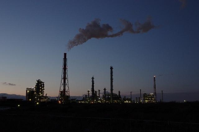 苫小牧の工場夜景2011年12月1.jpg