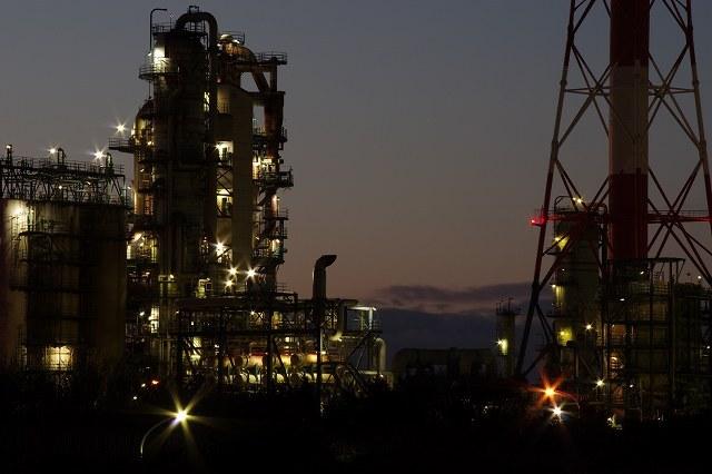 苫小牧の工場夜景2011年12月2.jpg